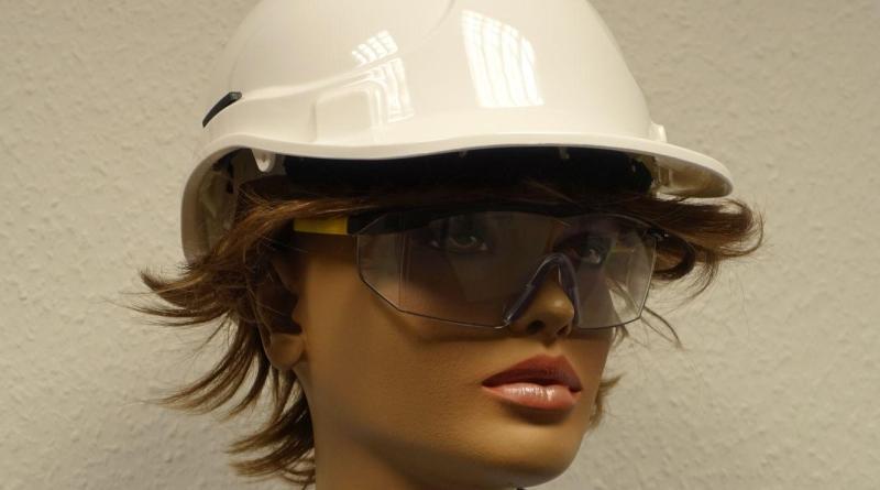 Frauen auf der Baustelle willkommen